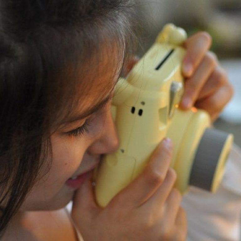How to teach kids photography